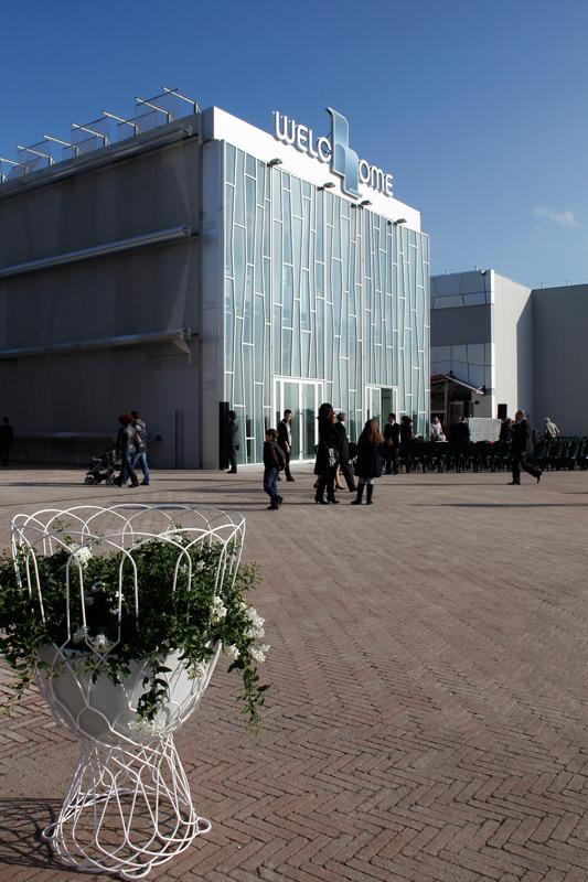 Santhia Outlet Arredamento.Inaugurato L Outlet Del Design Casastile