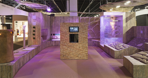 dornbracht gira e revox insieme a colonia casastile. Black Bedroom Furniture Sets. Home Design Ideas