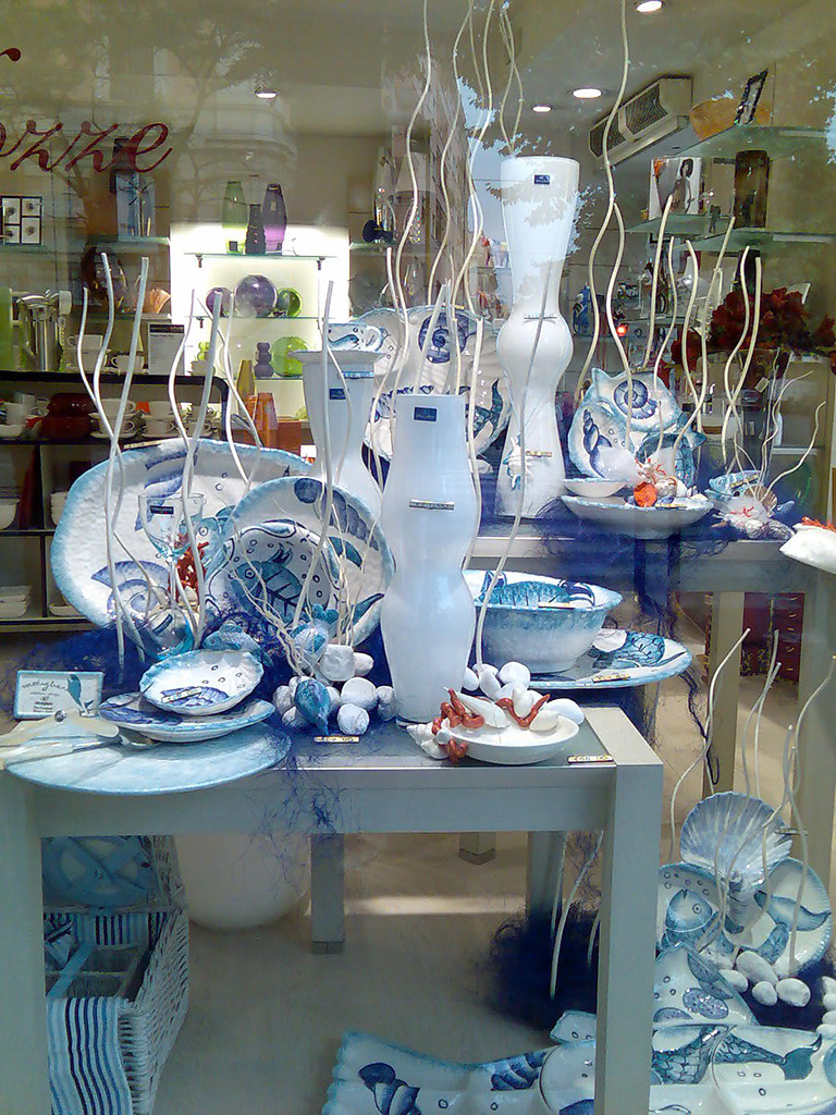 Vetrine & retail: vetrina estiva allestimento mare