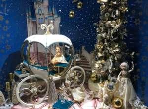 foto1_Natale vetrina_fiaba_1663535�1_View